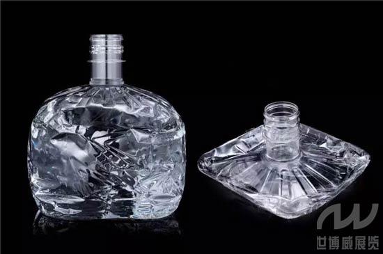世博威高端水展上的一次性健康安全星一饮水通